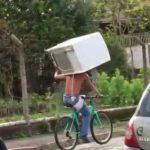 自転車で冷蔵庫を運びたいとき参考になる動画を2つ紹介